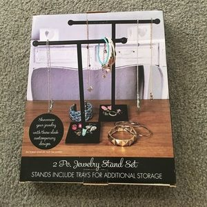 Two-pack jewelry Stand Set